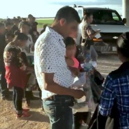 Border Patrol Agents in Texas Town Apprehend 300 Migrants in One Day