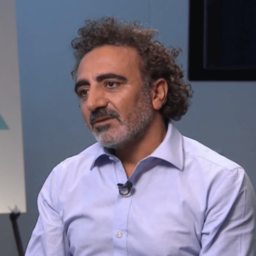 Chobani CEO Pleads with Corporations to Hire Refugees: U.S. Needs 'Humanity First' Immigration Policy