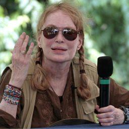 Mia Farrow Calls for Clarence Thomas to Resign