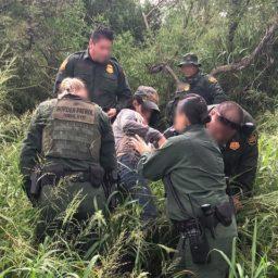 Border Patrol Agents Rescue Unresponsive Migrant in South Texas