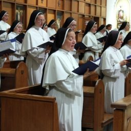 White House Invites Singing Nuns for Annual Christmas Tree Lighting