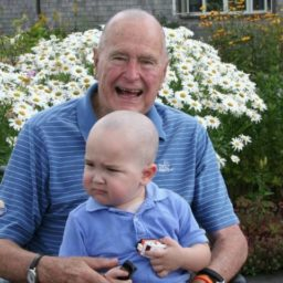 PHOTO: George H.W. Bush Shaves Head for Secret Service Agent's Son with Leukemia