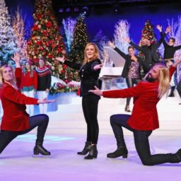 Samantha Bee Christmas Special Features 'Abolish ICE' Skaters, Blasts Trump's Immigration 'Cruelty'