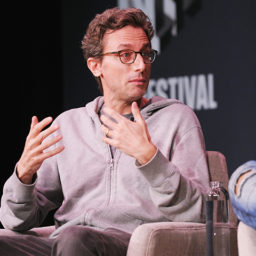 BuzzFeed Staff Eviscerate CEO Jonah Peretti over Handling of Mass Layoffs