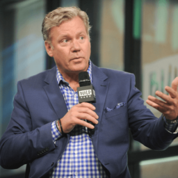 'To Catch a Predator' Host Chris Hansen Accused of Issuing Bad Checks