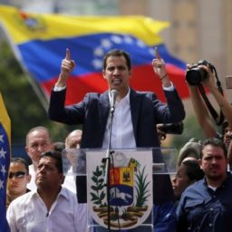Venezuela: Guaido Launches Military Amnesty Campaign to Strip Maduro of Force