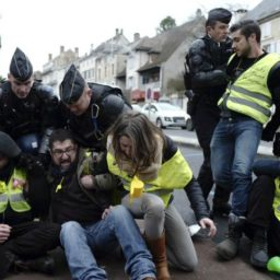Yellow Vests to Protest Macron Reforms for Tenth Straight Weekend