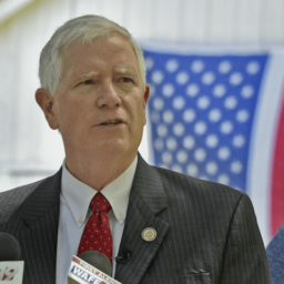 Exclusive–Mo Brooks: 'Masters of the Universe' Want More Immigration to 'Decrease Incomes of Americans'