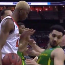 Oregon Ducks Ehab Amin Performs One of the Most Egregious Flops in NCAA History