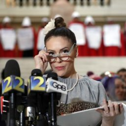 Alyssa Milano: 'I Don't Have Equal Rights Under the Constitution'