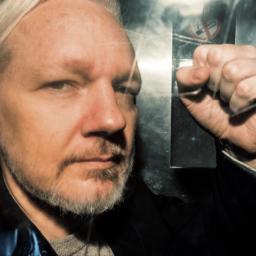 British Judge Gives Assange Near-Maximum Sentence for Skipping Bail