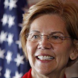 Elizabeth Warren Offers Woman 'Love Life' Advice on Social Media