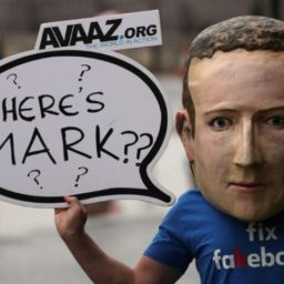 Facebook Bans 'Dangerous' Conservative Figures but Continues to Allow Leftist Calls for Violence