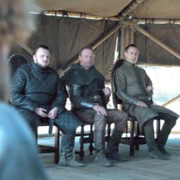 'Game of Thrones' Fans Flip After Spotting Water Bottle in Series Finale
