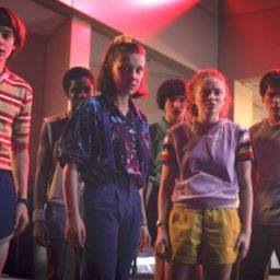 Netflix Shares Plunge After Subscribers Slump