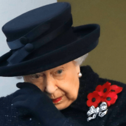 Remembrance Sunday: Queen Sheds a Tear as Britain Honours War Dead, Veterans