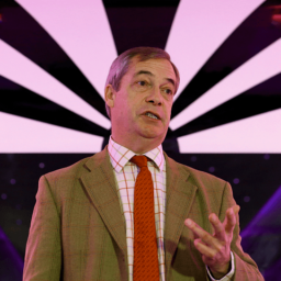 Farage Fears Boris Will Sell out Brexit, Throw Country into Crisis by May