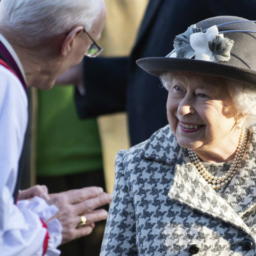 Queen Elizabeth All Smiles After Harry and Meghan Announcement