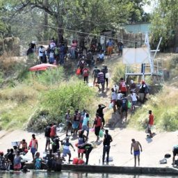 EXCLUSIVE VIDEO: Border Patrol Overwhelmed by Continuous Flow of Migrants into Del Rio Camp